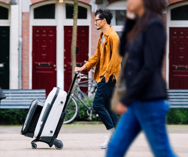 """f942b18250 出張や旅行のパートナー、スーツケースの常識を根底から覆す革新的な""""押す""""ラゲージシステム「バガブー ボクサー」がオランダで誕生、日本での販売を開始した。"""
